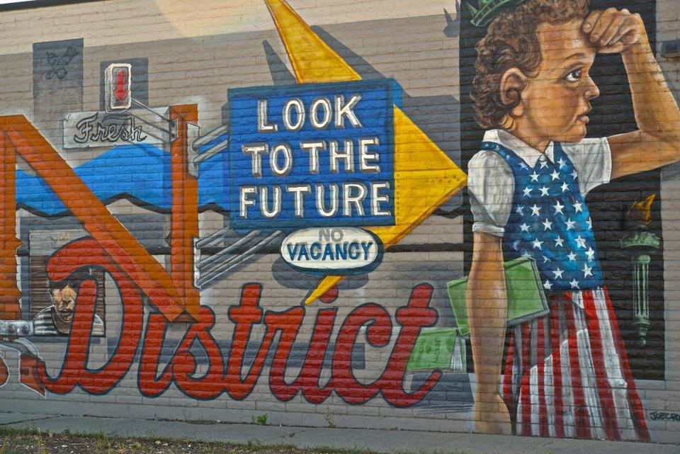 Barber Reno : ... mural in Midtown illustrates the recent Boston Globe piece about Reno